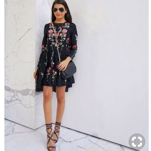 Zara floral embroidered dress xs